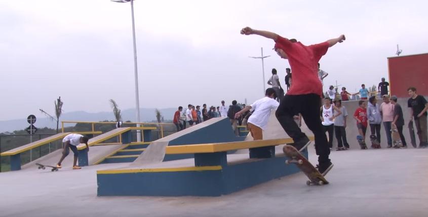 Santana de Parnaíba inaugura pista de skate profissional para jovens